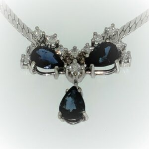 S1021 Collier mit Safire und Diamanten