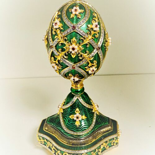 A1013 FABERGÈ Juwelenei Grün mit Brosche